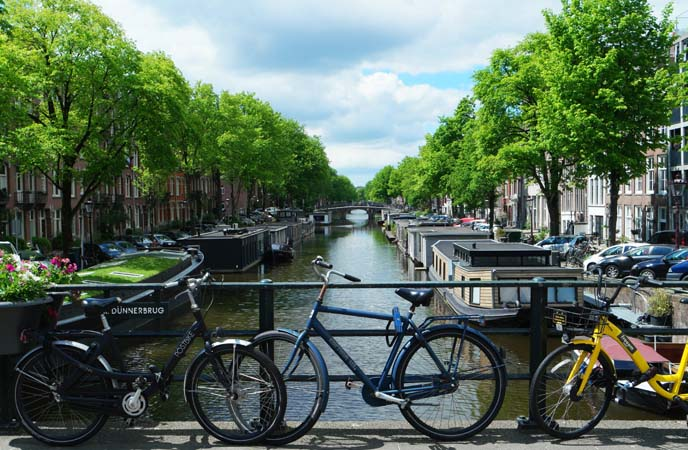 private-canals-tour-amsterdam