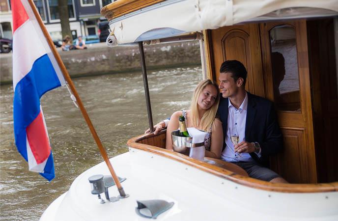 VIP-canal-cruise-Amsterdam